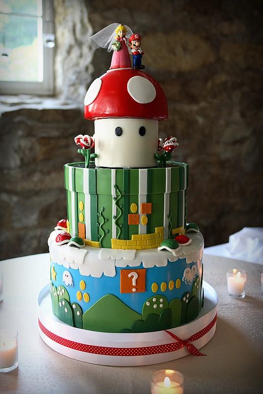super-mario-bros-nintendo-wedding-cake