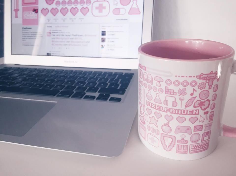 Pixelfrauen-Tasse