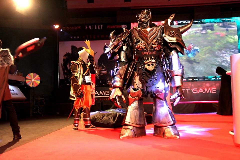 Top 1 castlevania los black knight cosplay 6 by meg cosplay